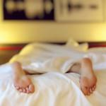 Slaaptekort: Waarom je er dik van wordt